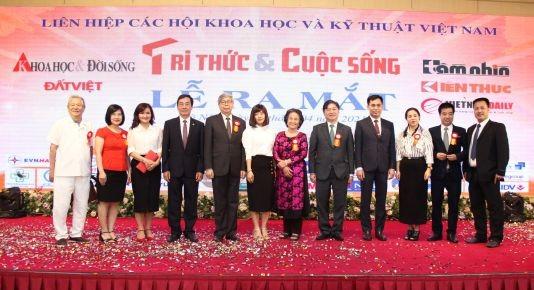 Long trong Le ra mat Bao Tri thuc va Cuoc song-Hinh-5