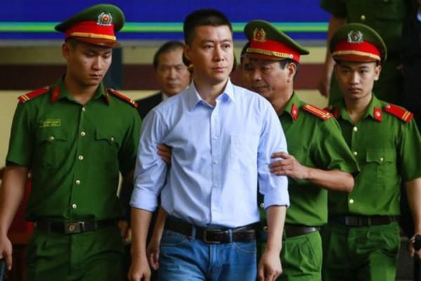 Chu tich nuoc Nguyen Xuan Phuc de nghi lam ro thong tin giam an tu cho Phan Sao Nam