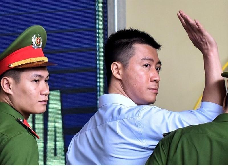 "Tha tu truoc thoi han cho ""trum"" co bac"" Phan Sao Nam la khong dung"