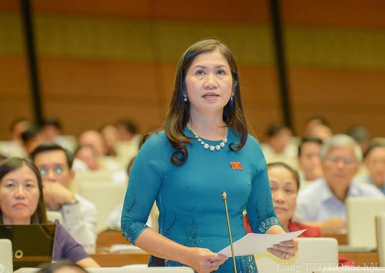 De nghi thi hanh ky luat nu Pho Chu tich UBND tinh Dak Nong