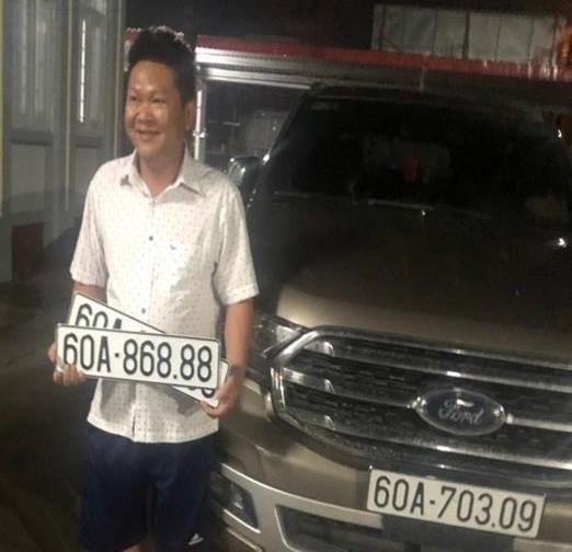 "Cong an Dong Nai xu phat nguoi su dung bien so xe gia ""60A-868.88""-Hinh-3"