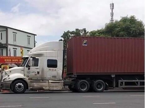 Tu Bac Ninh sang Hai Duong, lai xe container thong chot kiem dich COVID-19