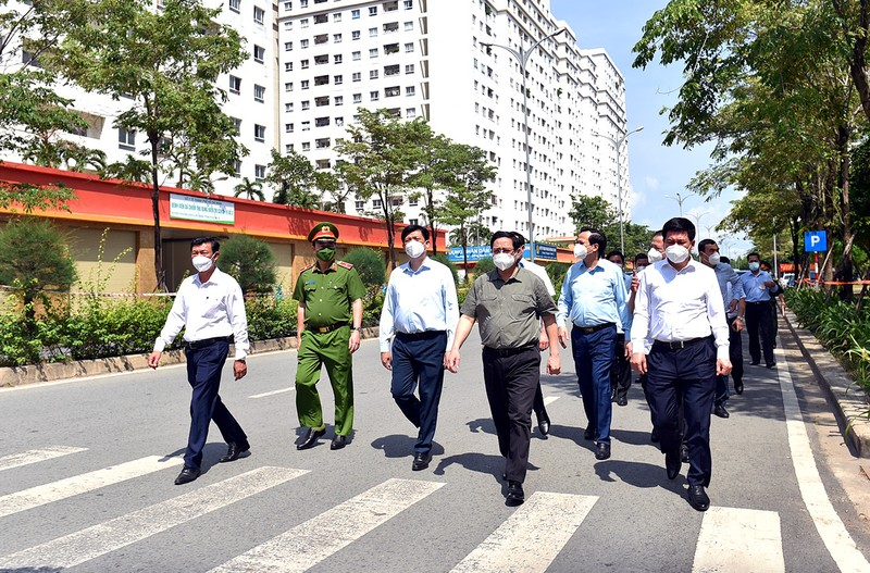 Thu tuong: Phan dau het thang 7, TP HCM tiem it nhat 2 trieu lieu vaccine-Hinh-2