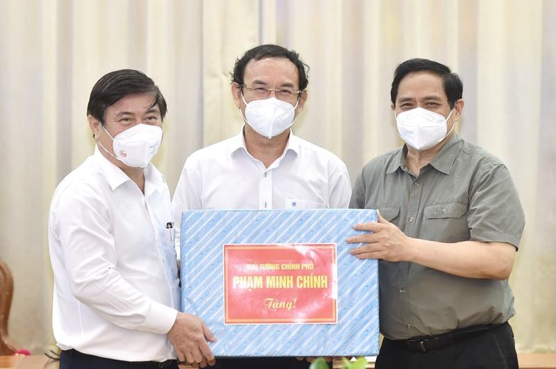 Thu tuong: Phan dau het thang 7, TP HCM tiem it nhat 2 trieu lieu vaccine-Hinh-4