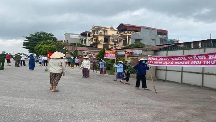 Cty Giay Cam Binh hoat dong bat chap lenh dung: Chinh quyen