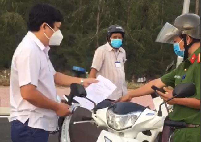 """Truong ban Kinh te-Ngan sach Phu Yen di xem dat: """"Coi thuong Chi thi 16... phat nang"""""""