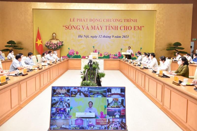 """Bo truong Nguyen Manh Hung: Song va may tinh cho em la de… xay dung xa hoi so""""-Hinh-2"""