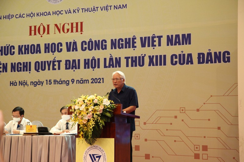 "Thu tuong: ""Doi ngu tri thuc phai yeu khoa hoc, yeu dat nuoc va con nguoi Viet Nam""-Hinh-4"