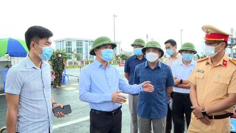 Quang Ninh dung van ban yeu cau nguoi den tinh phai co xet nghiem RT-PCR