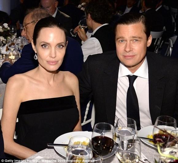 Angelina Jolie to Brad Pitt khong chu cap du tien nuoi con sau ly hon