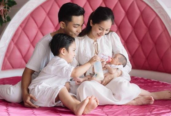 Khanh Thi phu nhan chuyen ly hon, tiet lo nam sau co them em be-Hinh-3