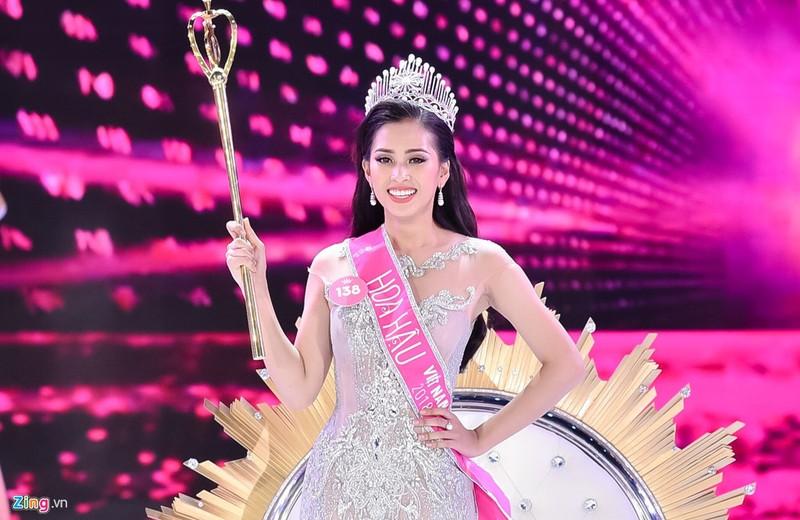 """Hoa hau Tran Tieu Vy: """"Ai che hoc kem, toi de ngoai tai""""-Hinh-2"""