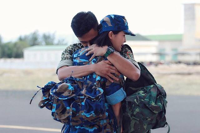"""Cao Thai Ha giai dap tin """"tinh tay 3"""" voi Huu Vi, Song Luan-Hinh-5"""