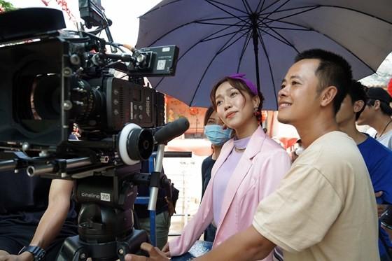 Sau Vong eo 56, Ngoc Trinh dong gai que trong phim Tet 2019-Hinh-2