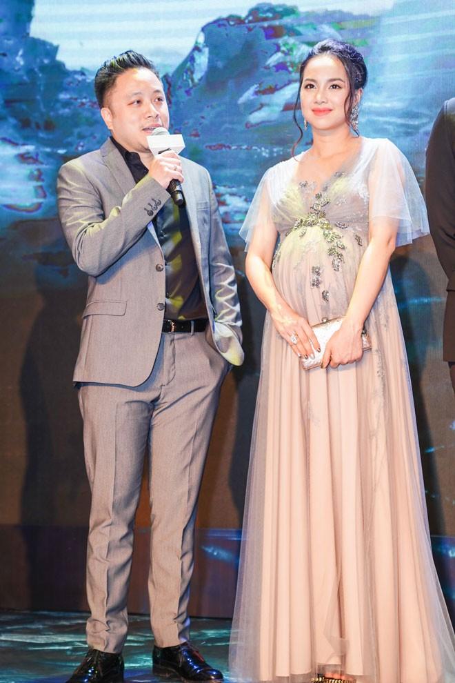 Dinh Ngoc Diep sinh con trai dau long cho dao dien Victor Vu