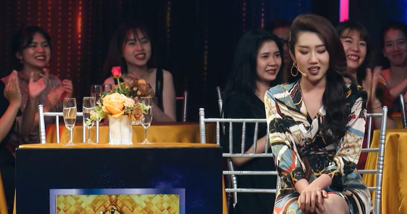 """Vi sao Thuy Ngan muon bo ve khi ghi hinh """"Quy ong dai chien""""-Hinh-5"""