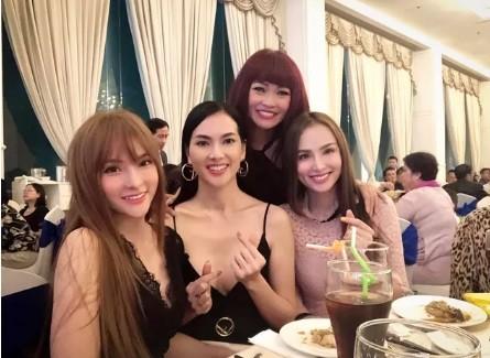 """Diem Huong khoe anh nam tay """"trai la"""" giua tin ly hon-Hinh-2"""