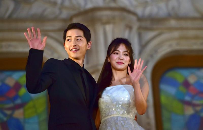 Ro tin Song Hye Kyo 2 lan bi bat qua tang ngoai tinh