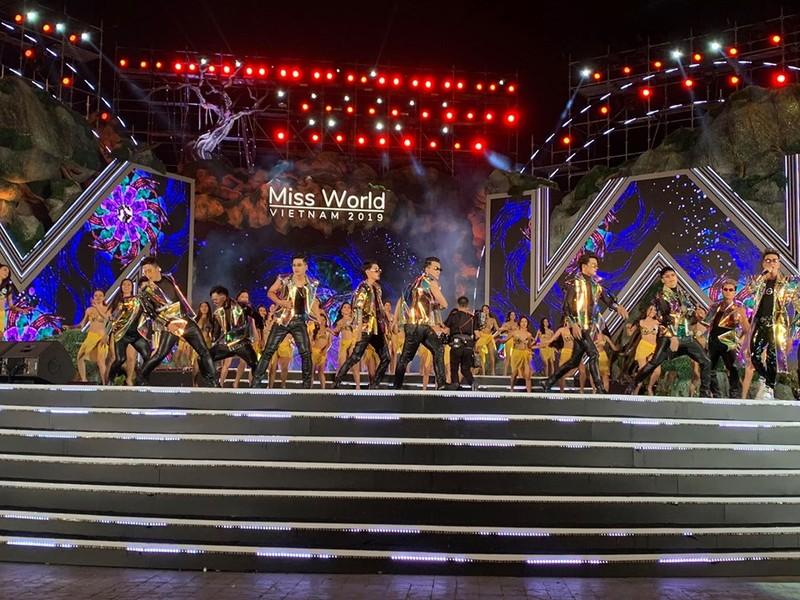 "Miss World VN 2019: Le Quyen bi che ""vo duyen"", tiet muc Mr Dam dinh san-Hinh-3"