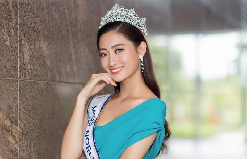 Hoa hau Luong Thuy Linh bi mao danh de lua dao, dang anh nhay cam