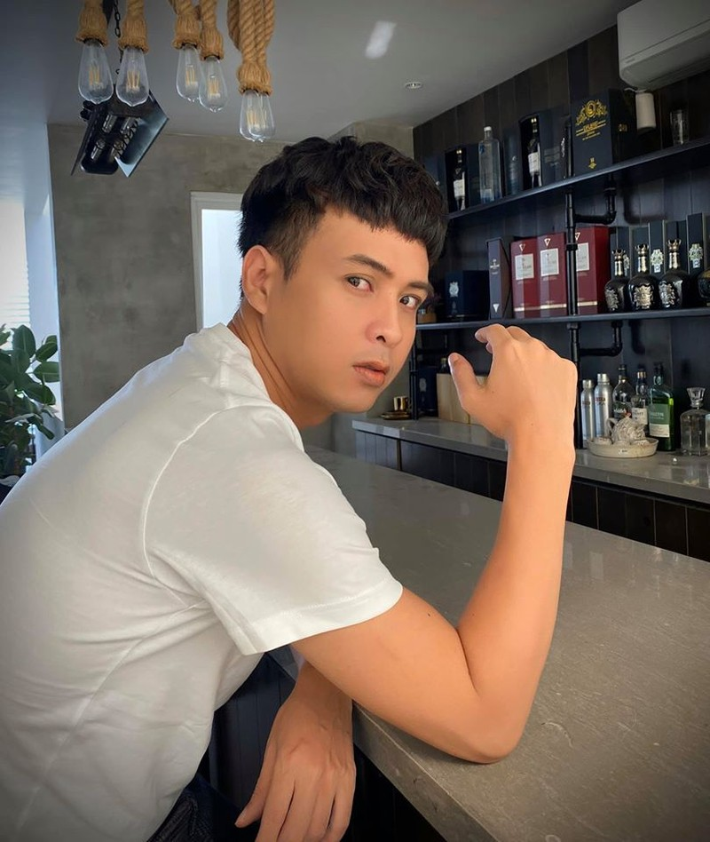 """Soi qua khu di bui, tran lot, """"dieu phoi gai bia om"""" cua Ho Quang Hieu-Hinh-10"""