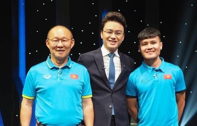 BTV Huu Bang di chan dat khi dan chuong trinh thoi su VTV-Hinh-3