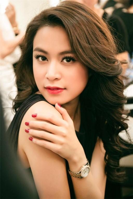 """Dao dien Le Hoang phat ngon soc: """"Ngoc Trinh noi tieng vi khong co tai nang""""-Hinh-3"""
