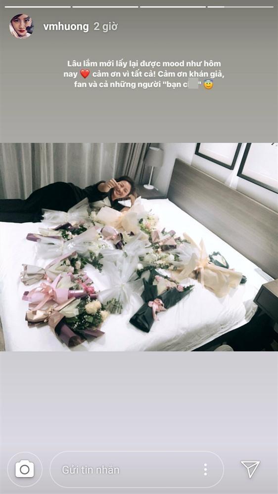 Van Mai Huong xinh dep di dien, khoe hoa day giuong sau vu lo clip-Hinh-2