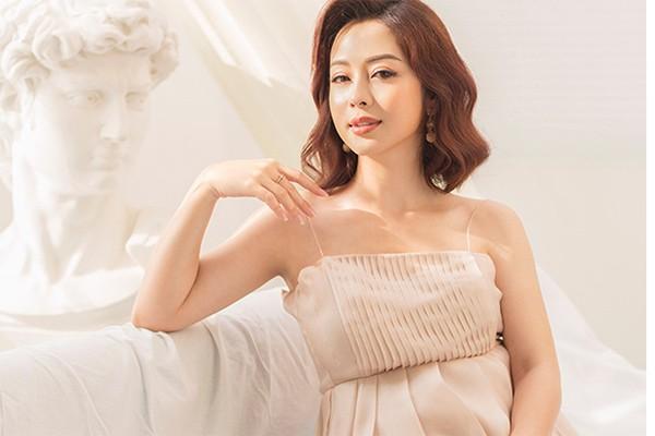 Hoa hau Jennifer Pham sinh con gai thu 4, nang 3,3 kg