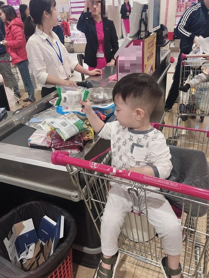 Viet Anh khoe dua con trai ve song cung hau ly hon vo thu 2-Hinh-3