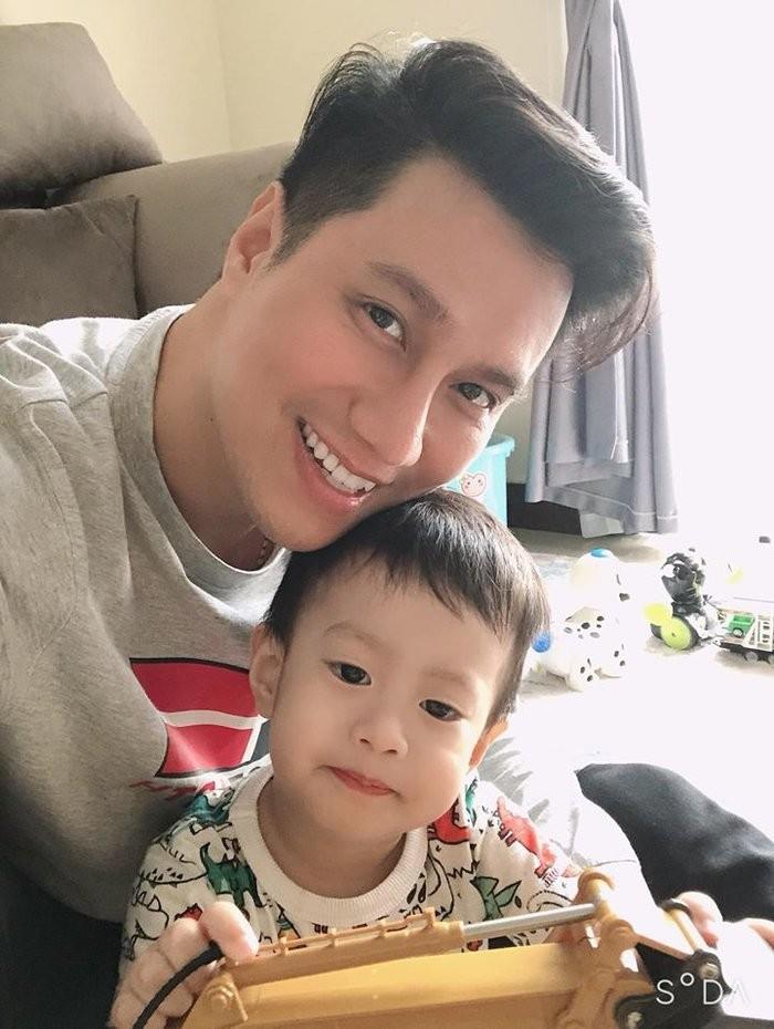 Viet Anh khoe dua con trai ve song cung hau ly hon vo thu 2-Hinh-5