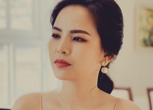 Phi Huyen Trang len tieng ve tin giat chong, lo clip nong 8 giay