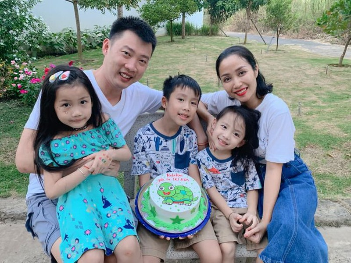 Oc Thanh Van duoc chong tang giay hieu mung sinh nhat luc 3h sang-Hinh-5