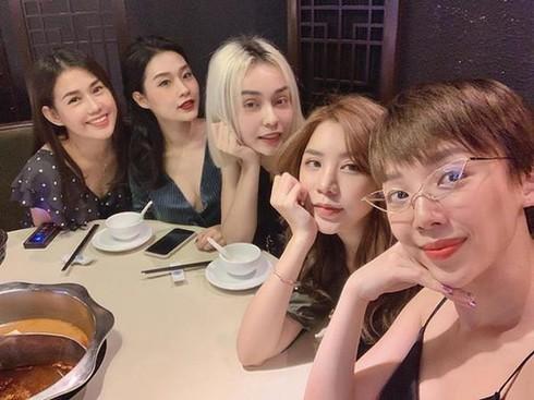 Dam cuoi Toc Tien va Hoang Touliver chi moi 50 khach-Hinh-4