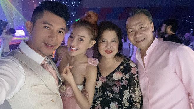 Lo anh Luong Bang Quang - Ngan 98 bi mat lam dam cuoi: Lai chieu tro?-Hinh-2