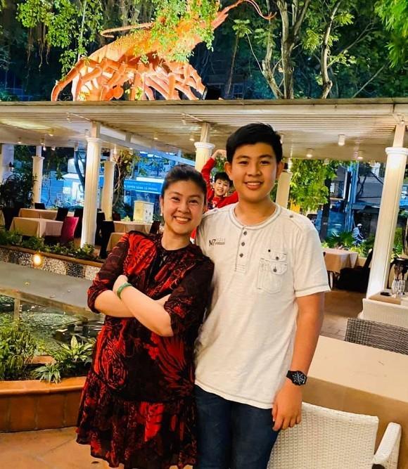 Con trai Phuoc Sang va Kim Thu lan dau lo dien, mat tuan tu, cao 1m76-Hinh-2