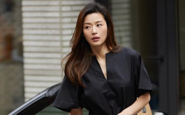 Jeon Ji Hyun bi chi trich vi khong quyen gop cho nan nhan nhiem Covid-19-Hinh-2