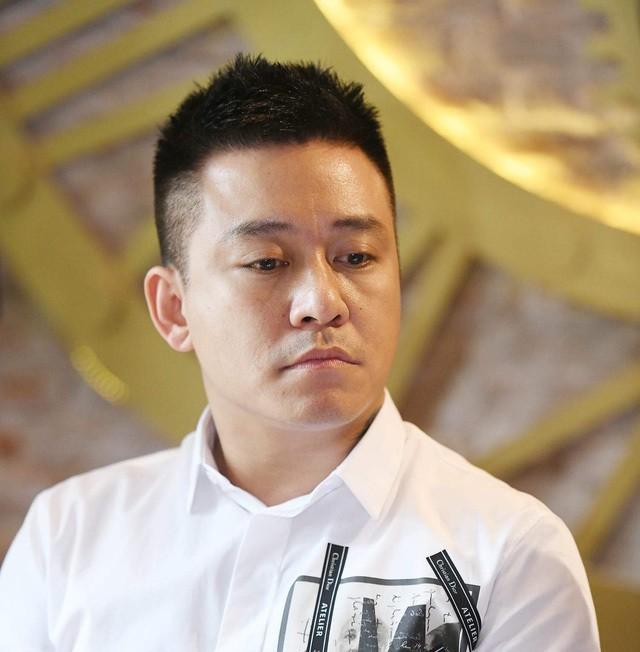 Dam Vinh Hung, Tuan Hung buc xuc vi co ten trong show hat dam cuoi-Hinh-2