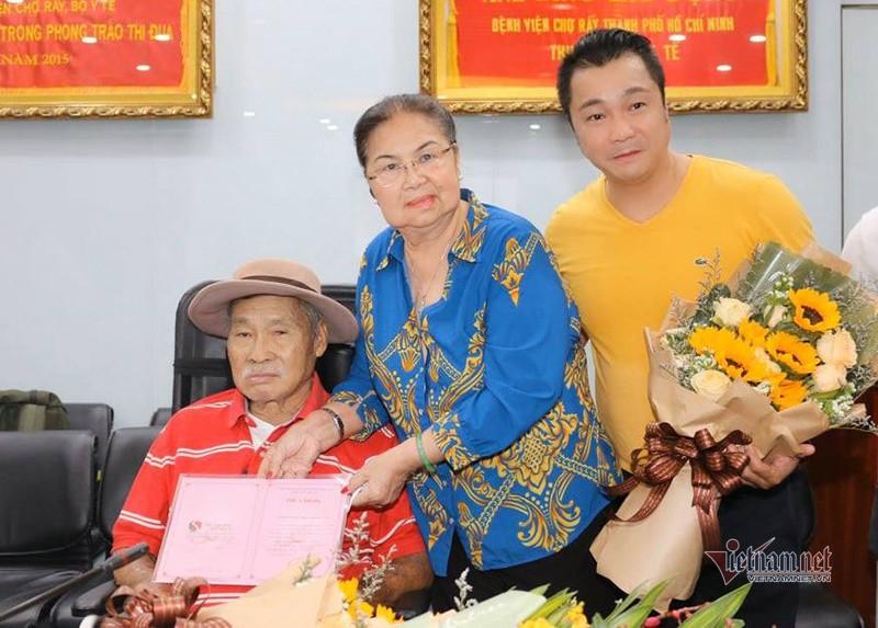 Gia dinh dien vien Ly Hung ung ho 500 trieu chong Covid-19-Hinh-2