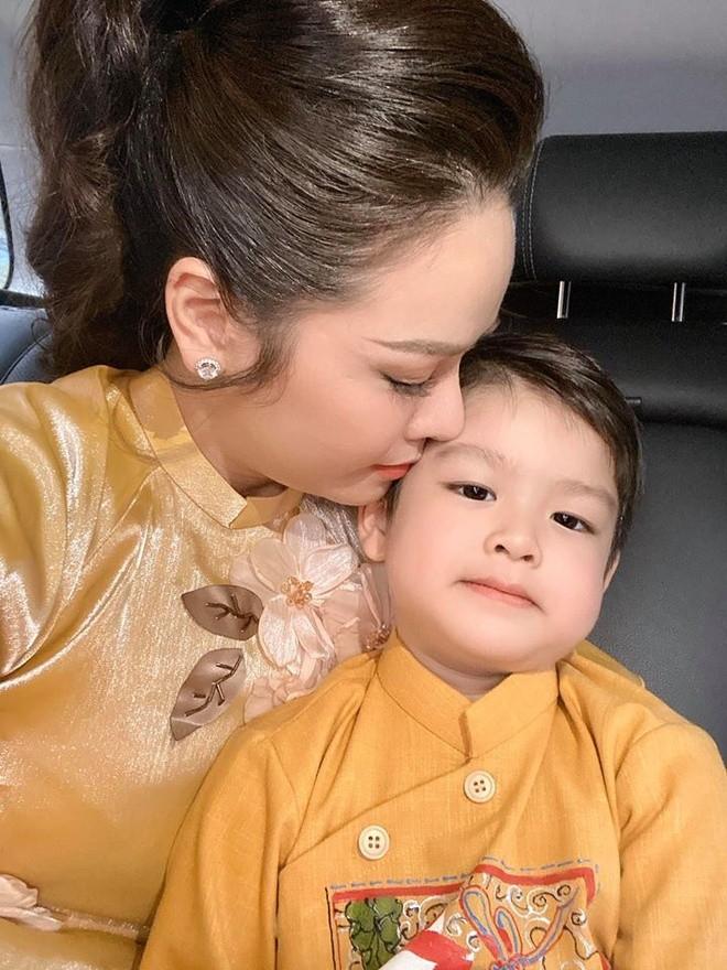 "Chong cu Nhat Kim Anh: ""Luc con con nho, bi benh, sao khong gianh nuoi?""-Hinh-3"