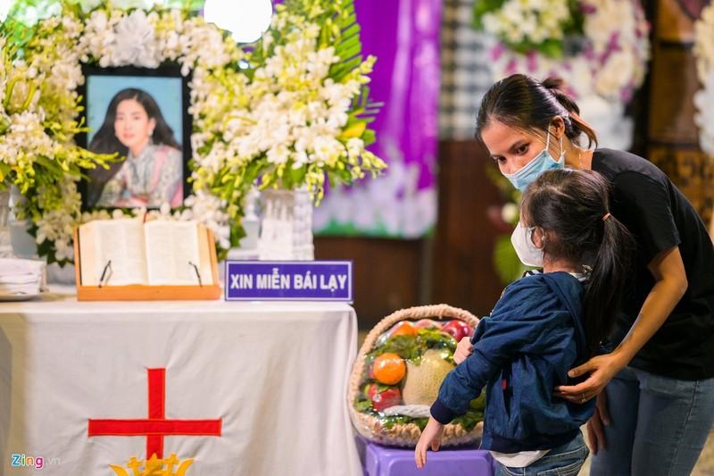 Xot xa le tang khong tieng ken trong cua Mai Phuong-Hinh-5