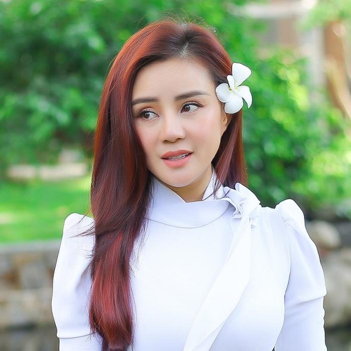 Vy Oanh tiet lo Mai Phuong tung co y dinh gui con gai Lavie vao chua-Hinh-3