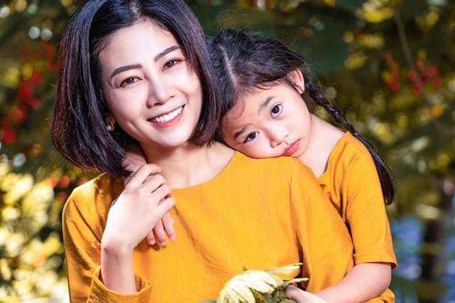 Tran Thanh am tham keu goi 250 trieu ung ho con gai Mai Phuong