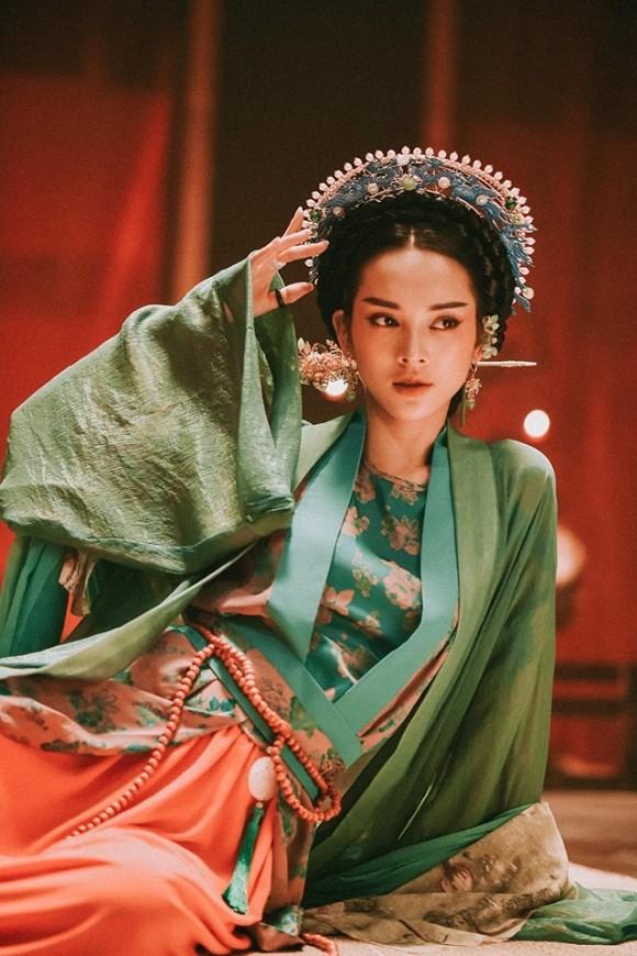 Cao Thai Son - Quynh Luong hen ho, con tang nhan tien ty?-Hinh-5