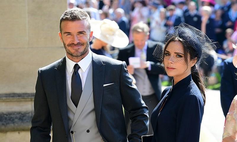 Tu truyen cua Victoria: Tiet lo soc David Beckham la ke thu ba