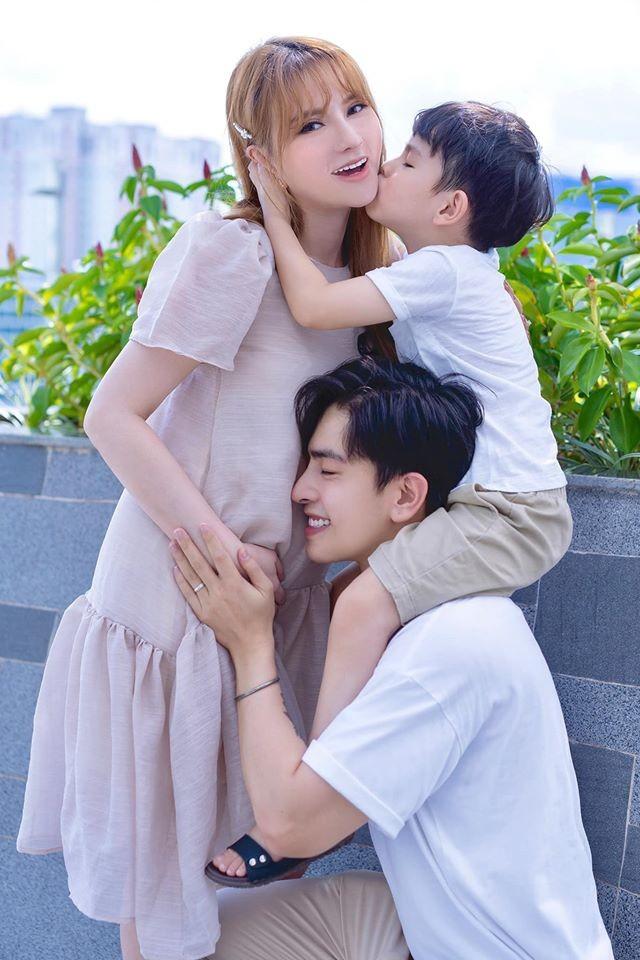 Thu Thuy xac nhan mang bau lan 2: