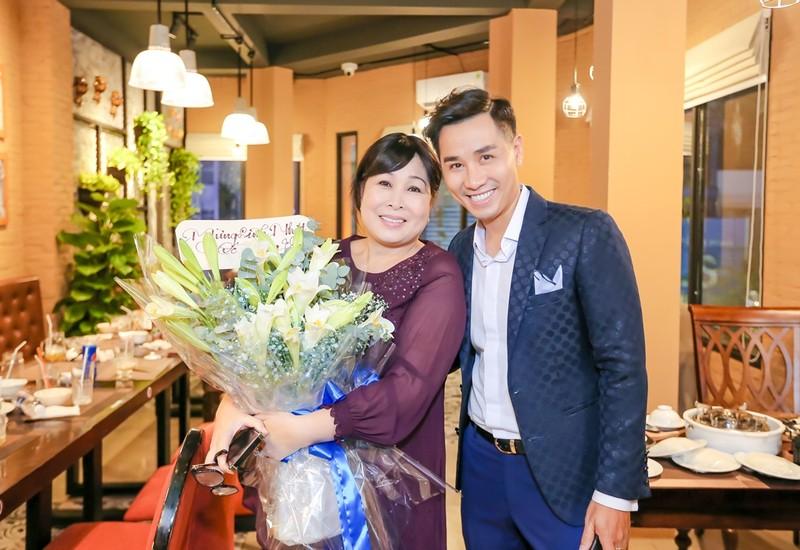 Nha hang cua MC Nguyen Khang o Phu Quoc chay rui trong dem-Hinh-3