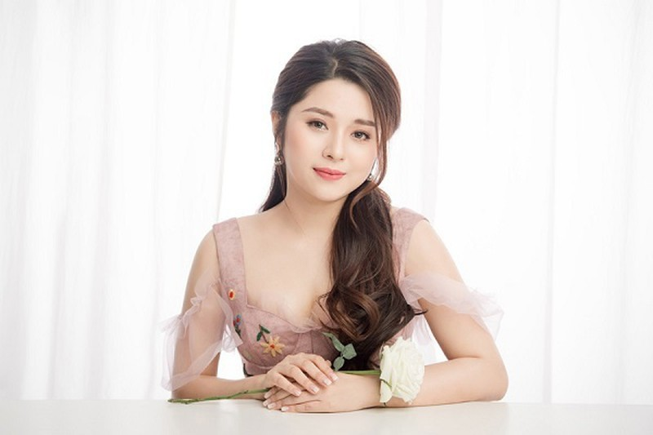 MC Dieu Linh qua doi sau 2 nam chong choi benh ung thu mau