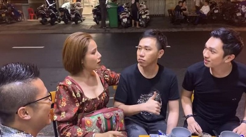 Anh Duc xuat hien pho phac sau tin don dung chat cam