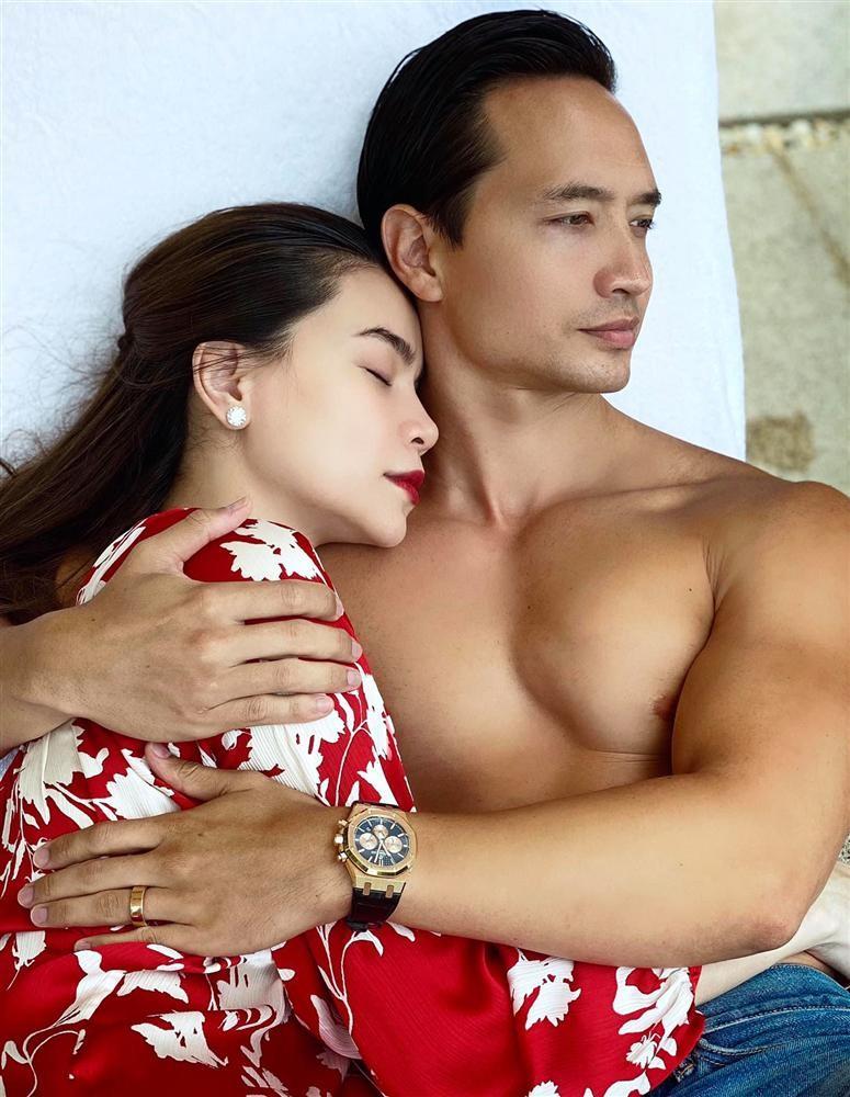 Hot: Ho Ngoc Ha mang bau be gai, khong phai thai doi?